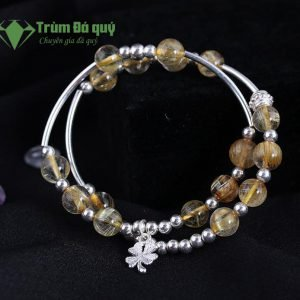 vong-tay-da-thach-anh-toc-vang-2A-8ly-mix-charm-co-bon-la-(3)