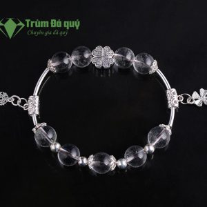 vong-tay-da-thach-anh-trang-10ly-mix-charm-co-4-la-(3)